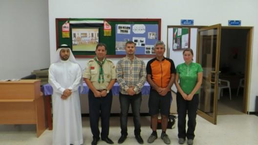 mit Ali, Bahcine und Ismael (von links) bei den Pfadfindern in Fujairah