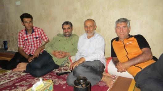 bei Alis (2. von links) Familie in Firuz Abad, unser letzter Abend mit Hosein