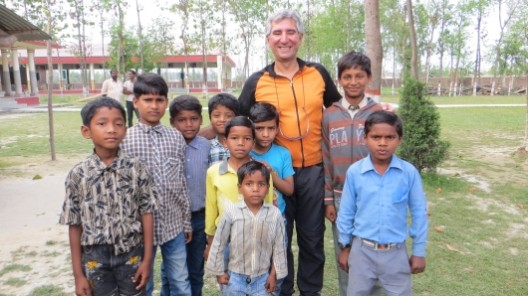 mit einigen Jungs der katholischen Kirche in Sitarganj