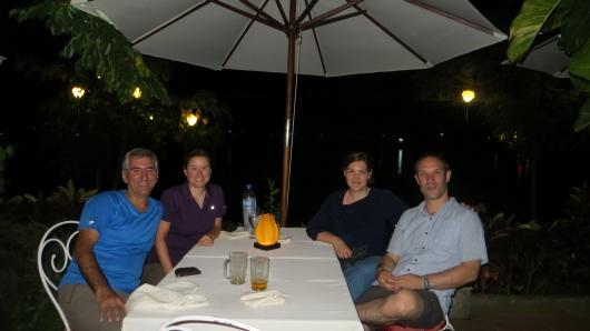 Mit Markus und Alice aus der Schweiz verbrachten wir schöne Abende in Hoi An
