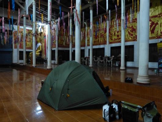 Unser Zeltplatz zu Buddhas Füßen