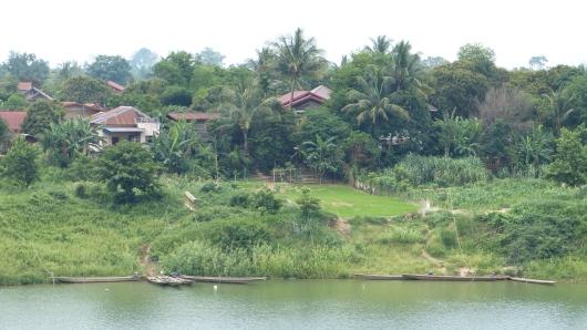 An einem Nebenfluss des Mekongs