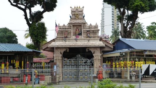 Eingang zu einem Hindu-Tempel in Kuala Lumpur