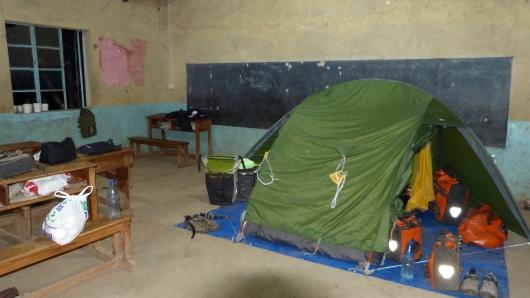 Unser Zeltplatz im Klassenzimmer