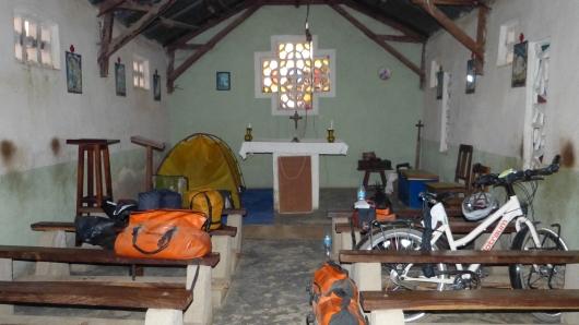 Camp in einer Katholischen Kirche
