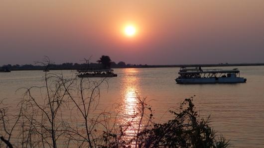 Sonnenuntergang am Chobe Fluss