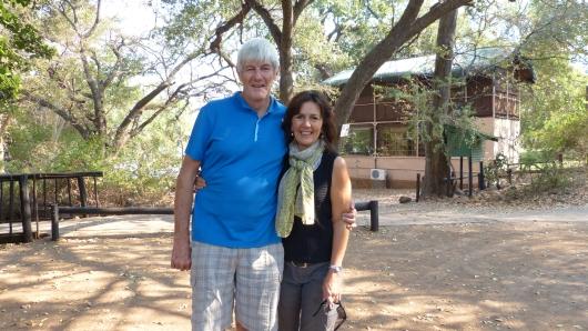 Mit den Südafrikanern Retha und Pat verbrachten wir ein paar schöne Abende im Camp