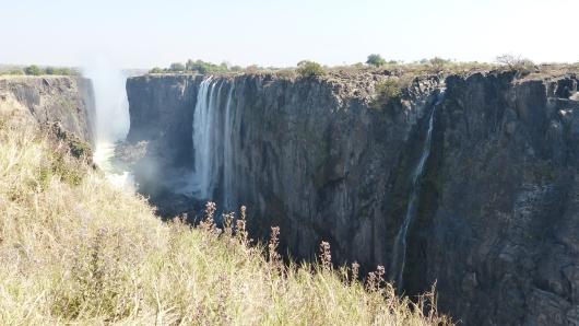 Die Victoria-Wasserfälle, in der Trockenzeit gibts nicht so viel Wasser