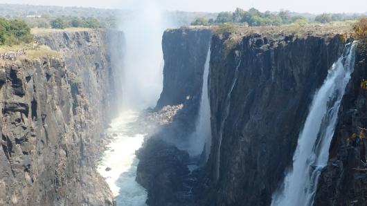 Die Victoria-Wasserfälle