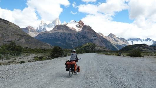 unser Weg zum Lago del Desierto führt an der Rückseite des Mount Fitz Roy vorbei