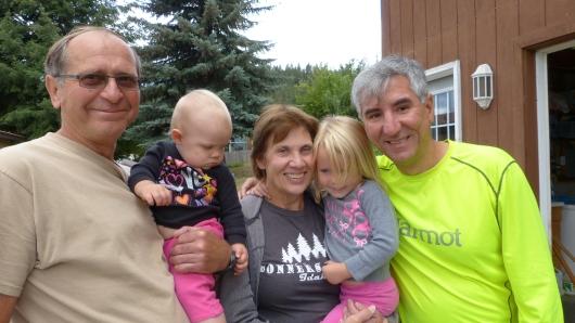 mit Bob und Diane, unsere Gastgeber in Bonners Ferry, und ihren Enkelkindern