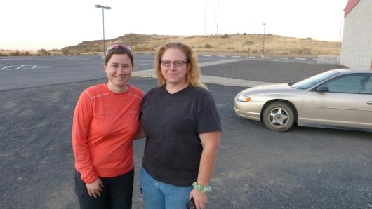 mit Dorothe, der Hausmeisterin der Schule in Mesa hinter der wir zelten durften