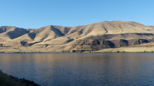 am Columbia River